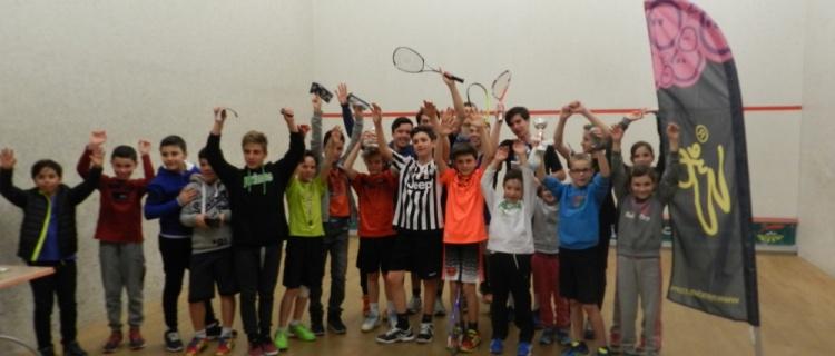 Club de squash à la Ciotat, composé de 5 courts de squash